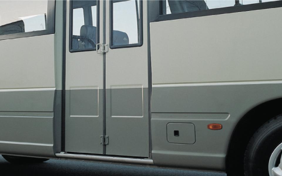 hyuc-county-2-puertas-exterior-destacado-3