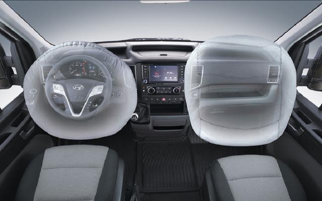hyuc-solati-h350-van-interior-7